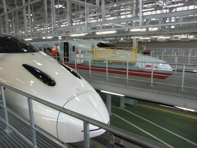 九州新幹線車庫にて