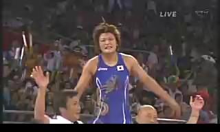 北京オリンピック 女子レスリング63キロ級伊調馨が金メダル 72キロ級浜口京子は銅メダル