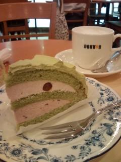 ドトール抹茶と小豆のケーキ