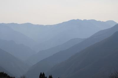 三峯からの山並み