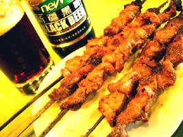 羊肉串と新疆黒ビール