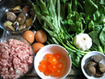 豚の挽肉、青菜、空心菜、ニンニク、花蛤、卵、そして、咸蛋黄
