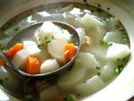大根とニンジンと牛筋肉のスープ