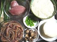 蝦、青豆(グリンピース)、干し椎茸、豚肉、葱、焼売の皮