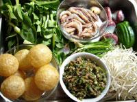 小蝦、鴨肫(鴨の砂肝)緑豆芽(もやし)、鶏毛菜、油面筋、生姜、干香�、青菜、豚肉
