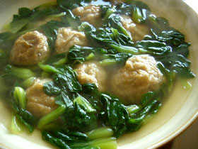 油面筋鶏毛菜湯