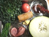青菜(チンゲン菜)、番茄(トマト)、山薬(長芋)、葱、豚肉、火腿、冬瓜
