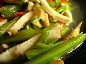 水芹菜炒豆腐干