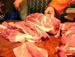 豚腿肉を2キロほど切り分けてもらう