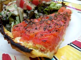 トマトとモッツアレラチーズのパイ