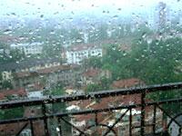 激しい雨になった上海