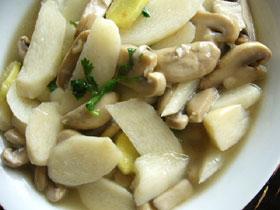 山薬炒蘑�(長芋とマッシュルームの炒めもの)