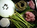 炒酸豆角、芹菜(セロリ)、芦筍(アスパラガス)、豚肉、葱、生姜、南風肉、冬瓜