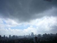 雨降ったり晴れたりの天気