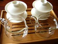 蓋碗で淹れるプーアル茶