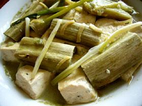 発酵ヒユナ菜梗蒸臭豆腐