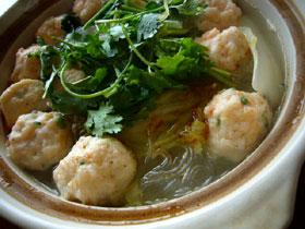 蝦圓粉絲娃娃菜湯(えび団子と春雨とミニ白菜のスープ)