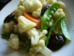 香�胡蘿蔔炒花菜(カリフラワーと椎茸とニンジンの炒めもの)