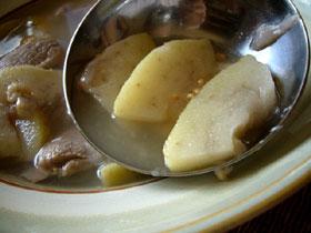 蕃石榴猪肉湯(グアバと豚肉のスープ)