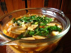 開洋腐竹粉皮湯(湯葉と粉皮と干し蝦のスープ)