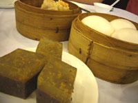 小豆とココナッツミルクの糯キンモクセイ風味、カスタード卵黄の饅頭。それから蝦シュウマイ