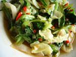 [朶リ]椒炒生菜([朶リ]椒とレタスとキャベツの炒めもの)