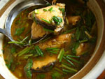 酸豆角青魚湯(サヤインゲンの漬物と青魚のスープ)