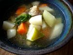 骨頭蘿蔔湯(大根とニンジンと豚骨のスープ)