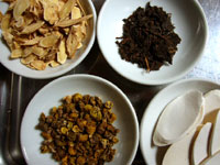 黄耆、プーアール茶葉、山薬、石斛(セッコク)