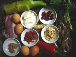 基圍蝦(クルマエビ)、鶏蛋(鶏卵)、葱、生姜、広東芥菜(広東カラシナ)、紅椒(赤ピーマン)、川芎(せんきゅう)、黄耆(おうぎ)、紅棗(なつめ)、枸杞(クコの実)、山薬(山芋)、豚肉