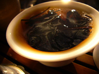 ウィスキーの好きな人には古いプーアル茶