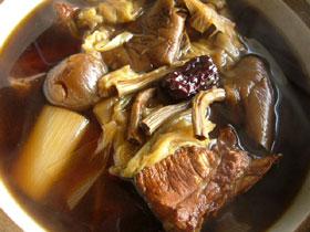 五味補体湯(五種類の漢方の薬膳スープ)