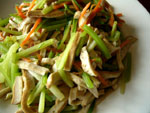 セロリと干豆腐の炒めもの