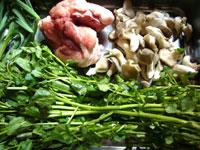 羊肉、刀豆(ナタ豆)、西洋菜(クレソン)、その他いろいろ。