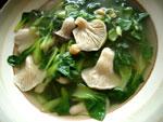 チンゲン菜とキノコのスープ