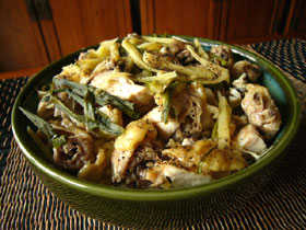百叶絲蒸咸鶏(塩漬け干し鶏と押し豆腐の極薄切りの蒸したもの)