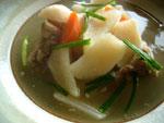 骨頭蘿蔔湯(豚骨と大根のスープ)