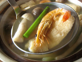 咸蝦草�芦筍湯(塩漬け干し蝦と草�とアスパラのスープ)