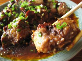 蠣貝辣醤蒸排骨(豚リブ肉の牡蠣味噌蒸し)