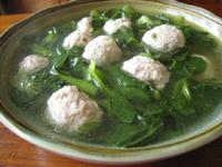 鶏毛菜肉圓湯(鶏毛菜と肉団子のスープ)