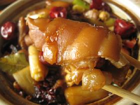 麻辣猪手(豚足の香辛料煮)