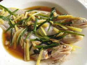 清蒸長江刀魚(エツの蒸したもの)
