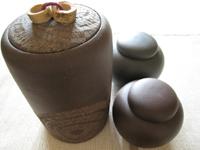 プーアル茶を保存する壺
