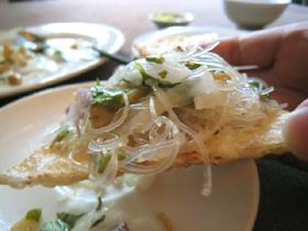 春雨とハマグリの炒め物と米の煎餅