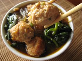 麻辣火鍋の鶏団子
