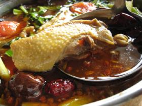 老鴨の麻辣火鍋