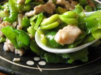 青椒肉片炒豆瓣