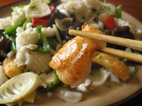 泡椒墨魚澆糯餅