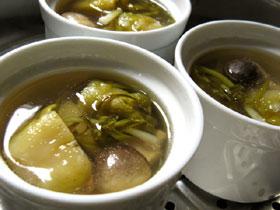 泡子孫菜鶏翅燉湯