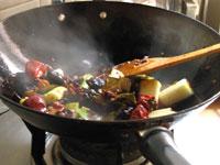 火鍋の鍋底づくり